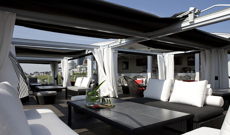 Cuscini cabanas luxury commercial pool cabanas for Roof terrace definition